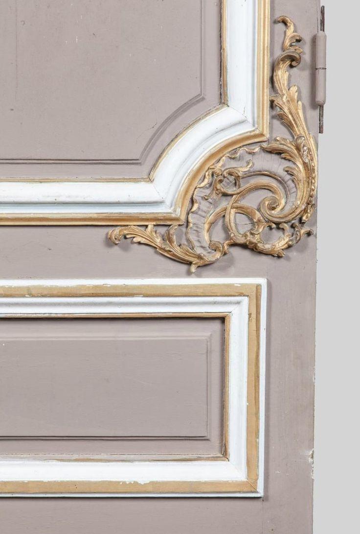 Ensemble de boiseries provenant du Château de Richelieu, remontées dans une maison particulière, Richelieu, Rue de la Gare. XVIIIe siècle. Vendôme, Rouillac / Hôtel des Ventes, 31.01.16, no. 319. | http://www.interencheres.com/fr/meubles-objets-art/bel-ameublement-collection-de-bronzes/chateau-de-richelieu-lambris-et-decorsensemble-de-boiseries-deux-ie_v66932/5604453/solr
