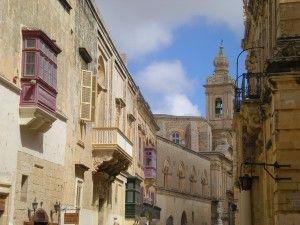 Au fil des vieilles rues de Mdina à Malte.
