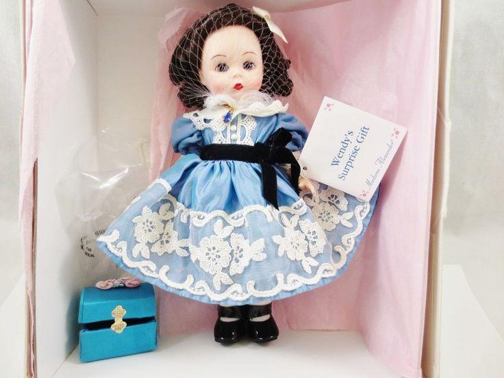 Madame Alexander Doll WENDY'S SURPISE GIFT 2000 Set Box w Necklace #36781