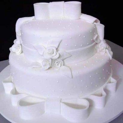 bolo de 2 andares redondo branco pasta americana