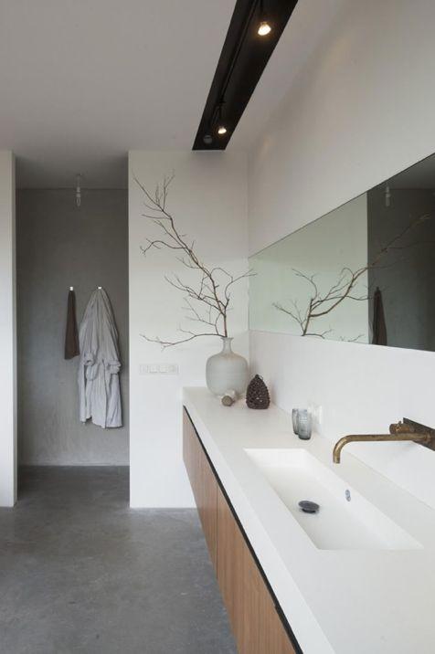 Hej torsdag! I veckan har jag haft nöjet att researcha moderna badrum, då jag ritade ett sådant till en kund. (Obs! Bilderna är r...