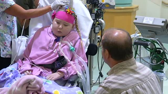 Little Elise needs a lung transplant and has been here in our PICU for more than 100 days on an ECMO machine.