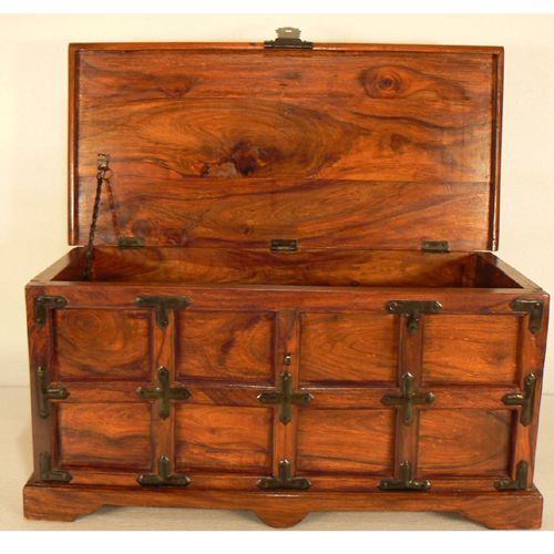 1000 images about make your own coffee table chest on pinterest storage chest pallet trunk Coffee table chest with storage