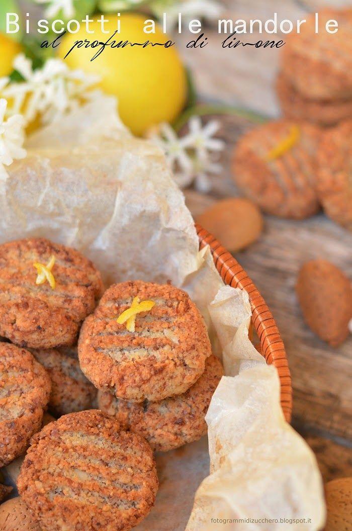 Fotogrammi di zucchero: Biscotti alle mandorle al profumo di limone ( senza zucchero, senza grassi, senza farina)