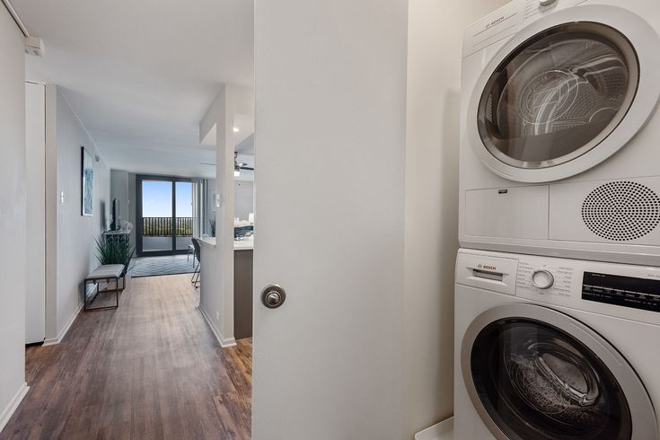 For Your Convenience We Offer In Unit Washers And Dryers Renewwheatoncenter Iamrenewed Amenities Wheaton Pet Friendly Apartments Apartment