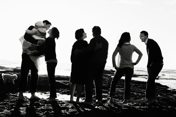 cute idea for a family photo, black and white and almost silhouettes: Photos Ideas, Families Pictures, Families Photos Beaches Colors, Families Photographers, Families Poses, Families Photography, Families Pics, Families Portraits, Beaches Pictures