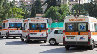 Palermo, furbetti del cartellino al 118 autista strisciava il badge e andava al bar