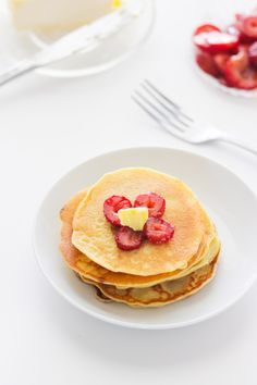 Old Fashion Pancakes (Single Serving) yummy single serving of old fashion pancakes.. Dinner approved!!