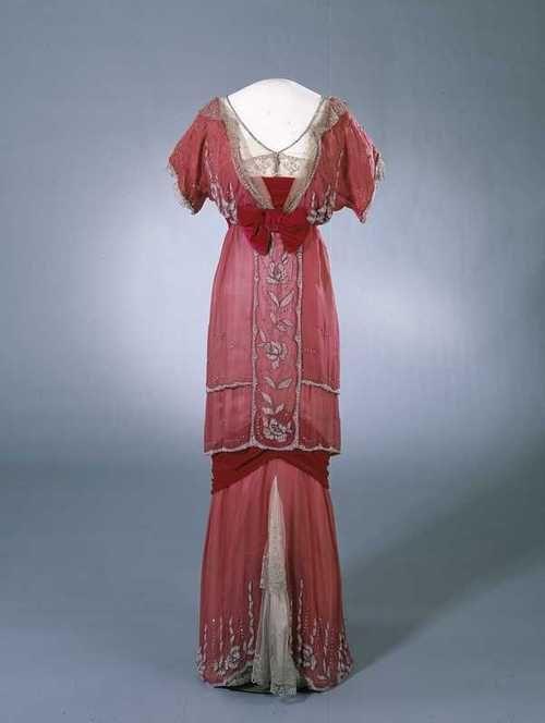 Dress    1910-1913    Nasjonalmuseet for Kunst, Arketektur og Design