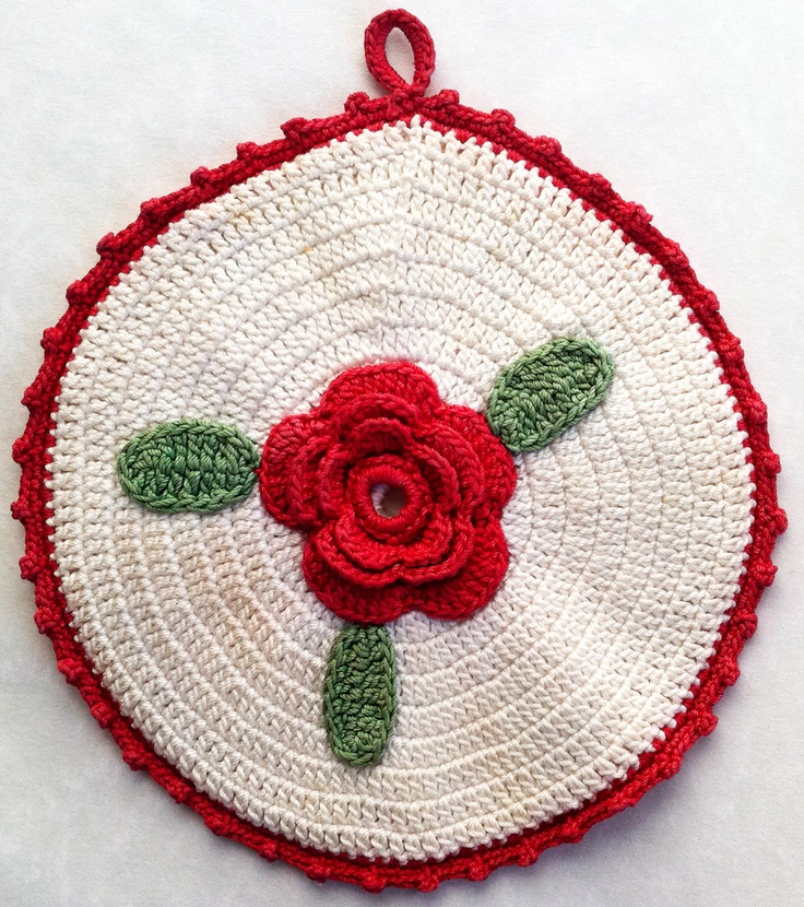 Free vintage flower crochet potholder patterns as well as others.