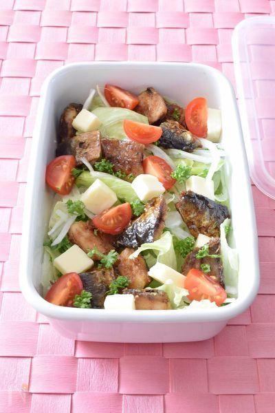 イタリアンの前菜風の作り置きレシピです。ワインにも合うからオシャレなディナーと一緒に供するのもGOOD!お魚料理は和食より洋風のレシピの方が食べやすかったりします。イワシとチーズのたんぱく質&カルシウムを上手に摂取できますよ!