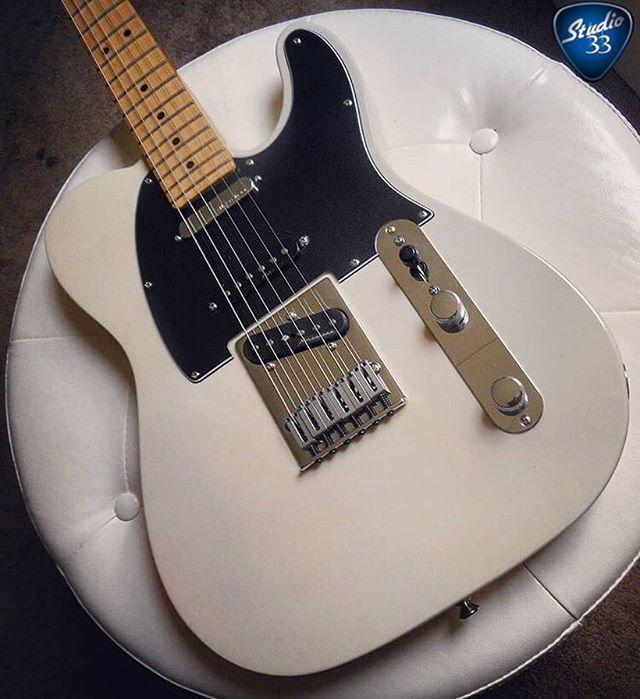 It S Teletuesday Here S A Sweet Fender Deluxe Nashville Telecaster From J0hnkay Fendertelecaster Fendertele Guitar Fender Guitars Cool Electric Guitars