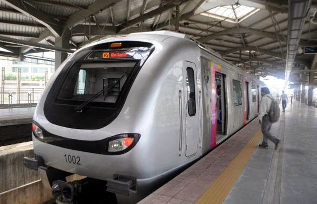 #MumbaiMetro is a perfect example of advance railway system of #India. Mumbai Metro system serving the city of Mumbai. As you all know that mumbai's population is increasing heavily day by day and it's overcrowded for Mumbai Suburban #Railway network.