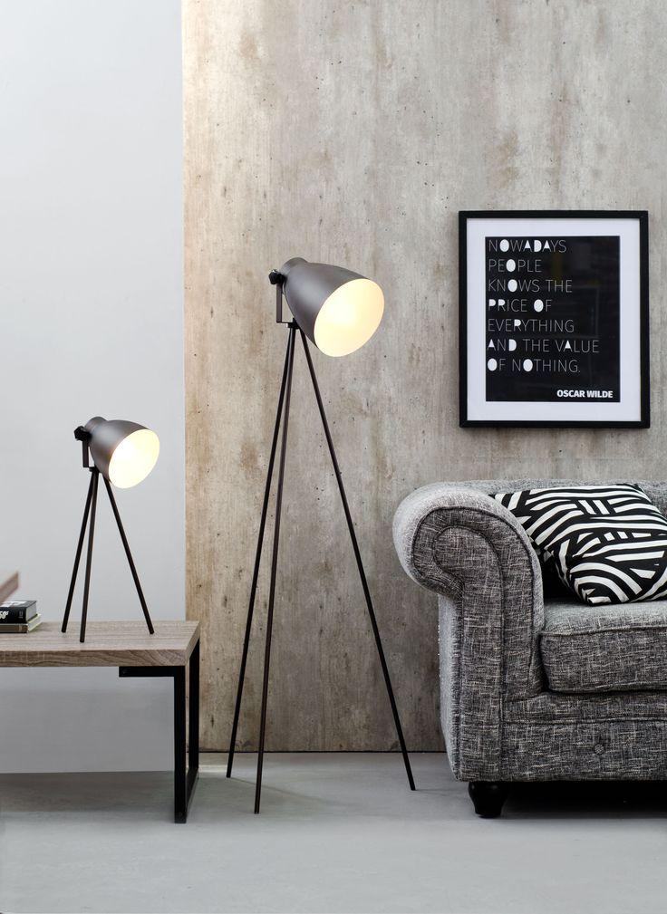 Lámparas trípode. De pie o de mesa. Ideal en cualquiera de sus versiones. #Easy #Iluminación