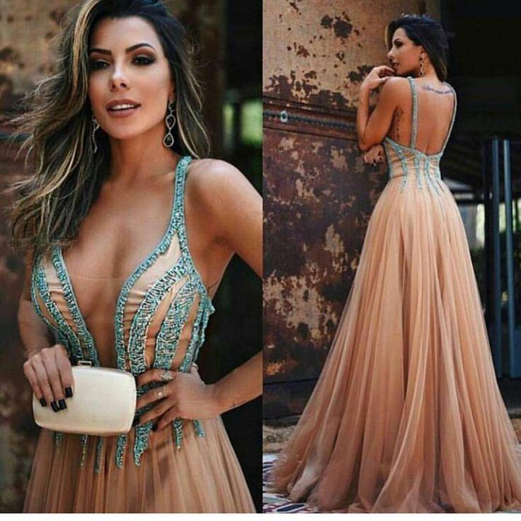 """13.5 mil curtidas, 17 comentários - Camilla Ribeiro (@vestidoca) no Instagram: """"Perfeição define! . . . . . . . #dress #vestidolongo #vestidosdefesta #vestido by @tugore"""""""