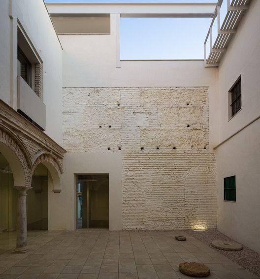 Rehabilitation of an old School for the Flamenco Interpretation Center / García Torrente Arquitectos