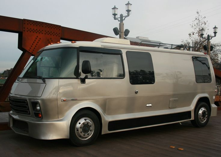 Front Wheel Drive Camper : Gmc motorhome with duramax diesel built on a workhorse
