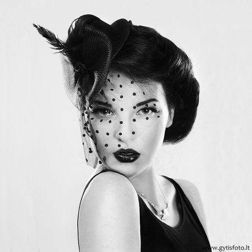 Les 47 meilleures images propos de maquillage coiffure ann e 20 sur pinterest coup canon - Maquillage annee 20 ...