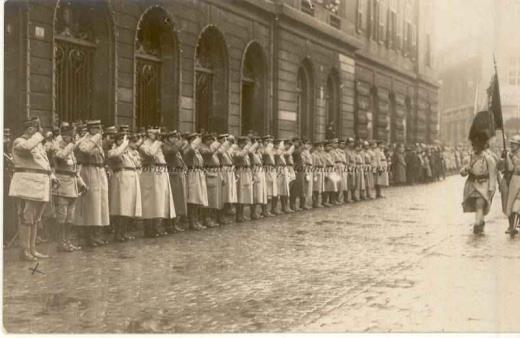 BU-F-01073-1-00152 Generalul Berthelot. Trecerea în revistă a trupelor, 1918-1919 (niv.Document)