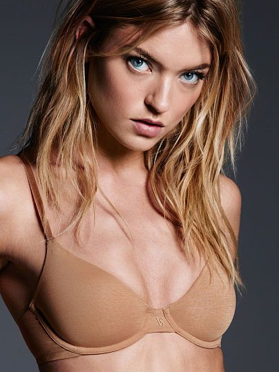 Worn by : Angel Martha Hunt  Type : The TShirt Unlined Demi Bra  Color : Nude Marl