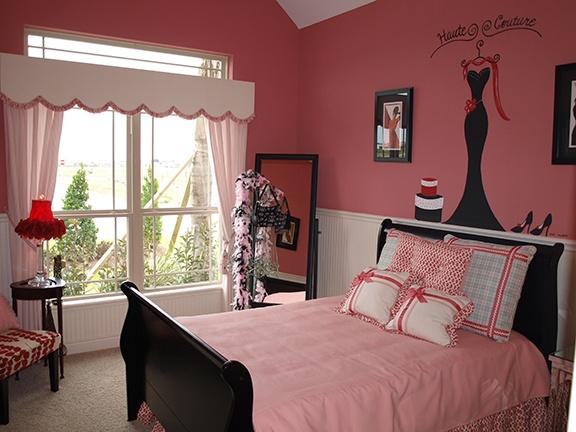 Girl's Bedroom - Pink