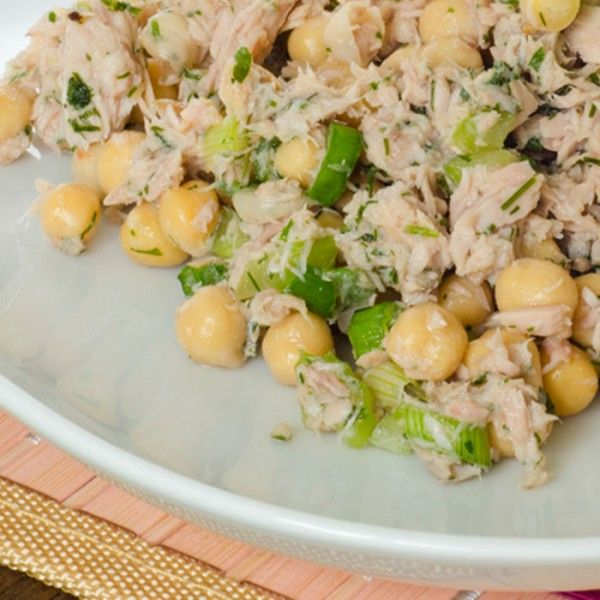 Spicy Chickpeas and Tuna: 3 ounces olive-oil packed light tuna (drained) with 1/2 cup chickpeas and cayenne to taste over 2 cups chopped romaine lettuce: 290 calories