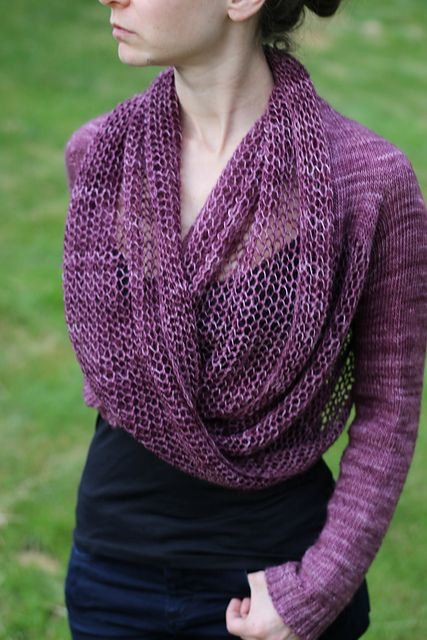 Ravelry: loopdigan pattern by Jenny Faifel - What a cool looking ... umm... shoulder thingie. ;)  #knitindie