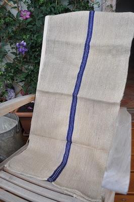 Vecchio telo in canapa ideale imbottito per seduta o schienale divanetto