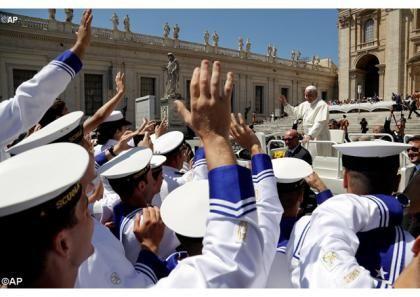 Все таїнство християнської молитви підсумовує можливість звертатися до Бога, називаючи Його Отцем. Про це роздумував Папа Франциск під час загальної аудієнції у середу, 7 червня 2017 р., коментуючи «Господню молитву». Наприкінці зустрічі з паломниками Глава Катол
