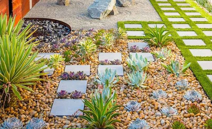 23 Awesome Zen Garden Ideas For Small Spaces Succulent Landscaping Small Space Gardening Minimalist Garden