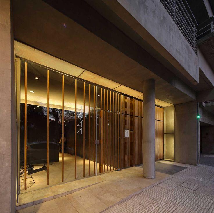 MONROE | Proyecto C. Autores: Arq. Sebastián Cseh - Arq. Juan Cruz Catania.  #arquitectura  #architecture  #hall #entrada #building