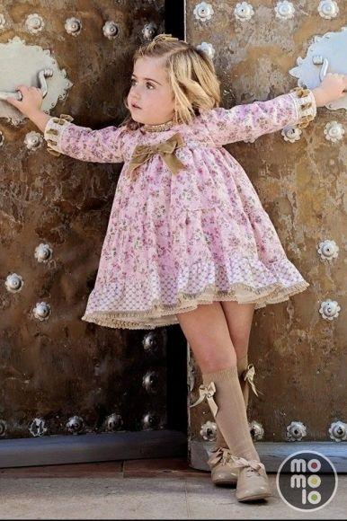 Ropa para niñas: Vestidos, Calcetines, Bluchers
