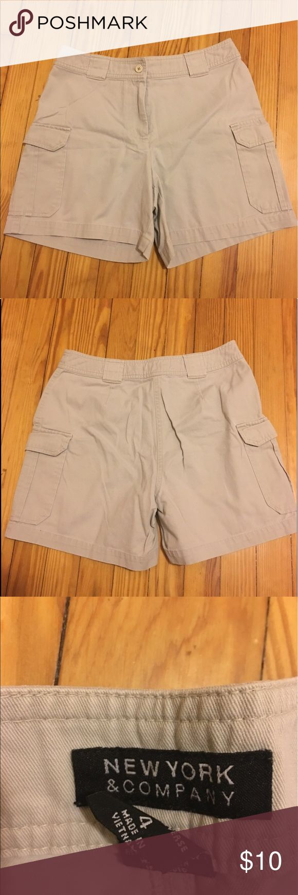NYC Beige Shorts Size 4 These New York and Company Beige Shorts are absolutely perfect. Great condition! Zero flaws. Good quality. These are the perfect summer shorts 🌞🌼🌸 New York & Company Shorts