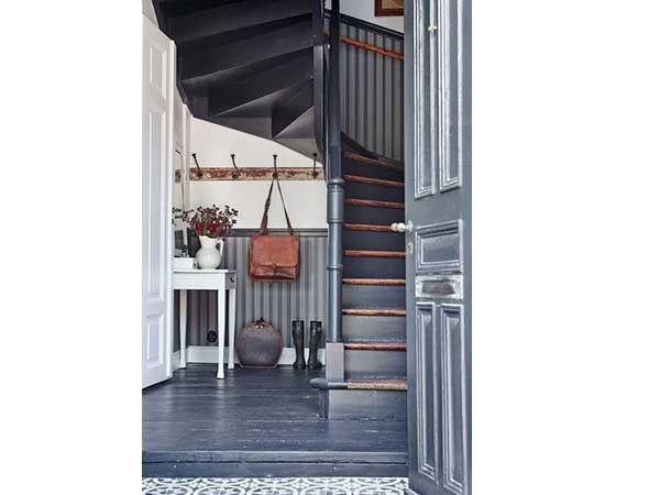 Les 25 meilleures id es concernant murs peints rayures for Papier peint cage d escalier