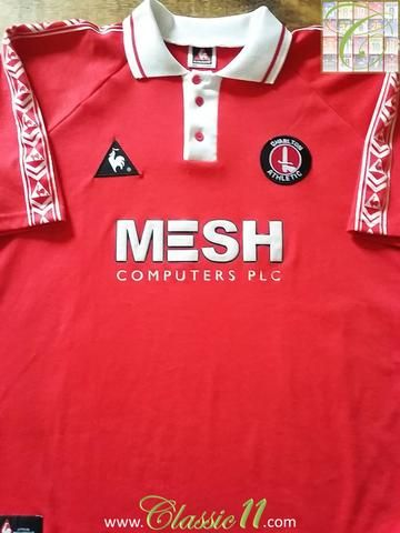 Relive Charlton Athletic's 1998/1999 season with this original Le Coq Sportif home football shirt.