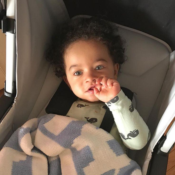 Sunny Sunday Evenings ☀️ #love #photooftheday #cute #baby #babies #igbabies #babiesofinstagram #igkids #babyboy #momlife #momsofinstagram #momswithcameras #motherhoodrising #motherhoodthroughinstagram @cantinhodamaternidade