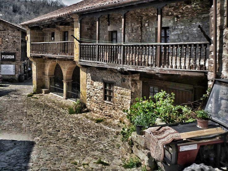 Bárcena Mayor, Los Tojos, Saja Nansa #Cantabria #Spain #Travel