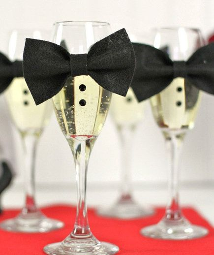 Tuxedo Champagne Flutes   Throw a red carpet-worthy bash with these easy-to-make decorations.