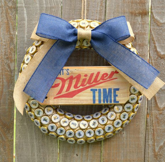 Beer Bottle Cap Wreath // Miller Lite // It's by 3SunshineKisses