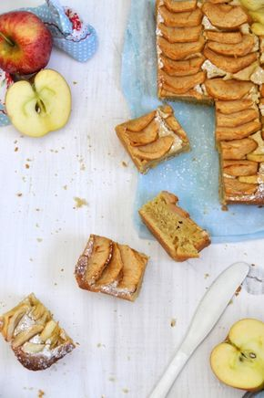 Pastel de manzanas y sirope de arce, un pastel muy jugoso y con un sabor excepcional. Receta fácil y sencilla de un bizcocho casero de manzanas.