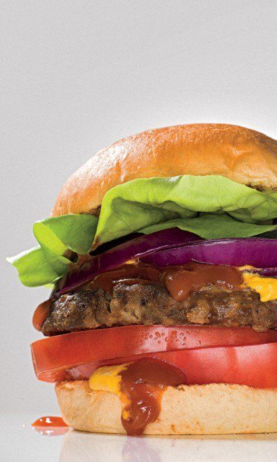 More protein than beef. More omegas than salmon. Tons of calcium, antioxidants, and vitamin B. In their secret R&D lab, the scientists at Beyond Meat concocted a plant-protein-based performance burger that delivers the juicy flavor and texture of the real thing with none of the dietary and environmental downsides.