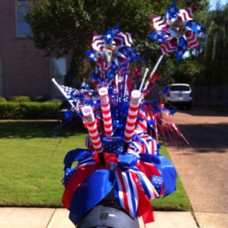 4th of July mailbox decoration.