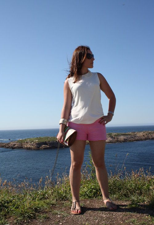 Small pink  , MiNegra en T Shirts, Zara Basic en Shorts, blanco accesories en Clutches