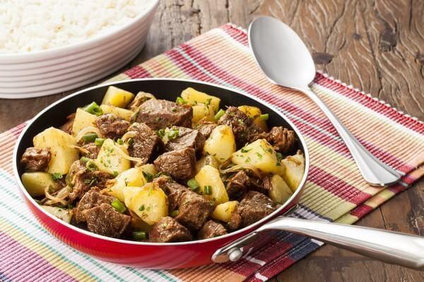 Acem-com-cebola-e-batatas
