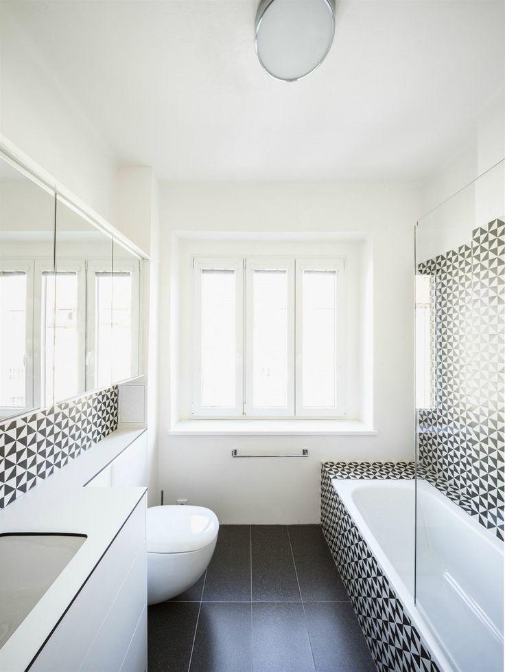 Koupelnu od toalety oddělovala provizorní příčka, kuchyně byla maličká a původní prkna v ložnici zakrývalo nevkusné linoleum. Pro proměně je vše jinak.