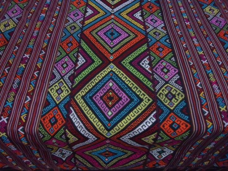 #tenunikat #colorful #tenunBuna