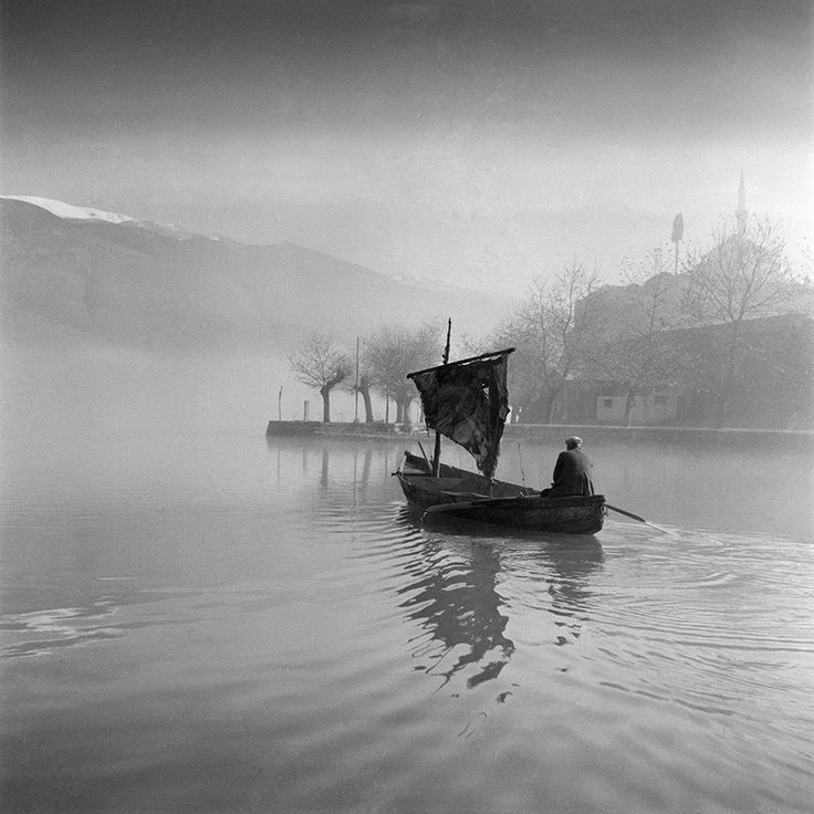 Voula Papaioannou, The lake of Ioannina, c.1960 © Benaki Museum Photographic Archive