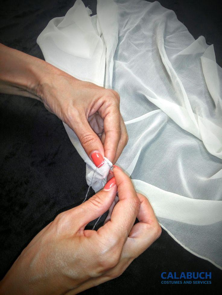 Tutoriales Taller Calabuch Costumes: La toca de Isabel la Católica 3 - Haciendo Repulgo a mano en nuestra Toca.