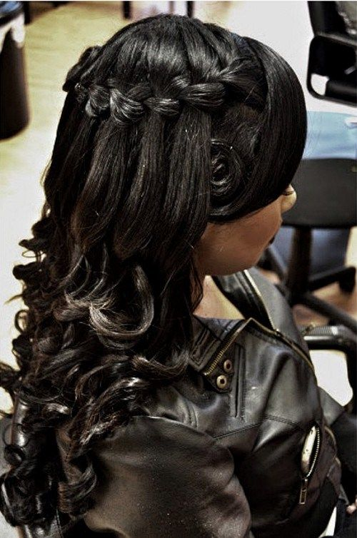 wedding half up hairstyle