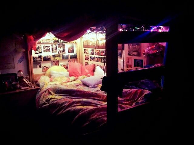If im in a triple room, and sleeping on the bottom bunk i am for sure making my bed into a little cave